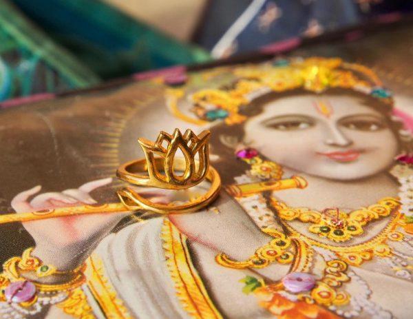 Omkara Bijoux Lotus